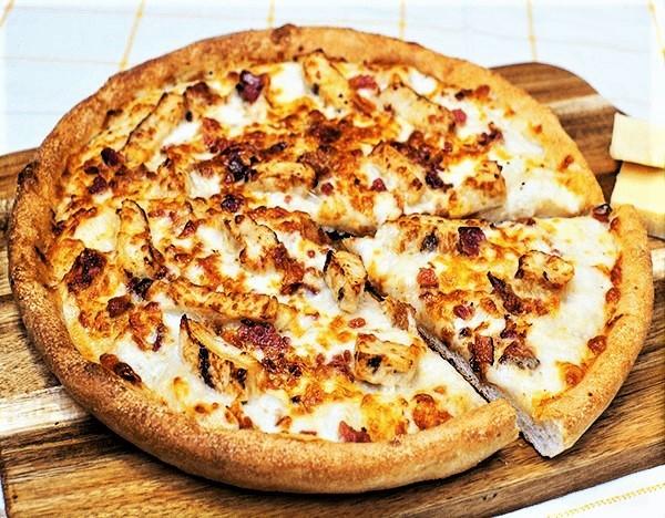 Sarpinos Chicken Bacon Alfredo Pizza