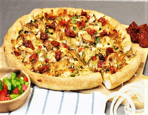Sarpinos Zesty Tandoor Chicken Pizza